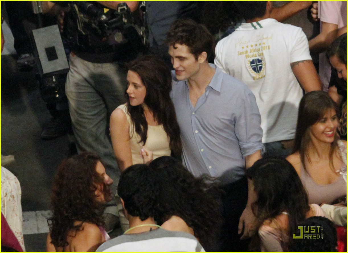 robert pattinson kristen stewart kiss rio 08