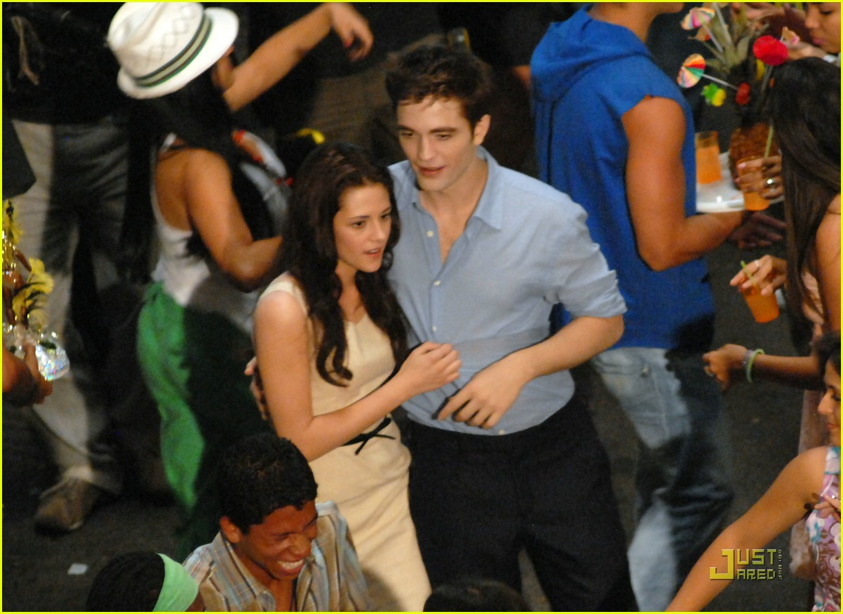 robert pattinson kristen stewart kiss rio 17