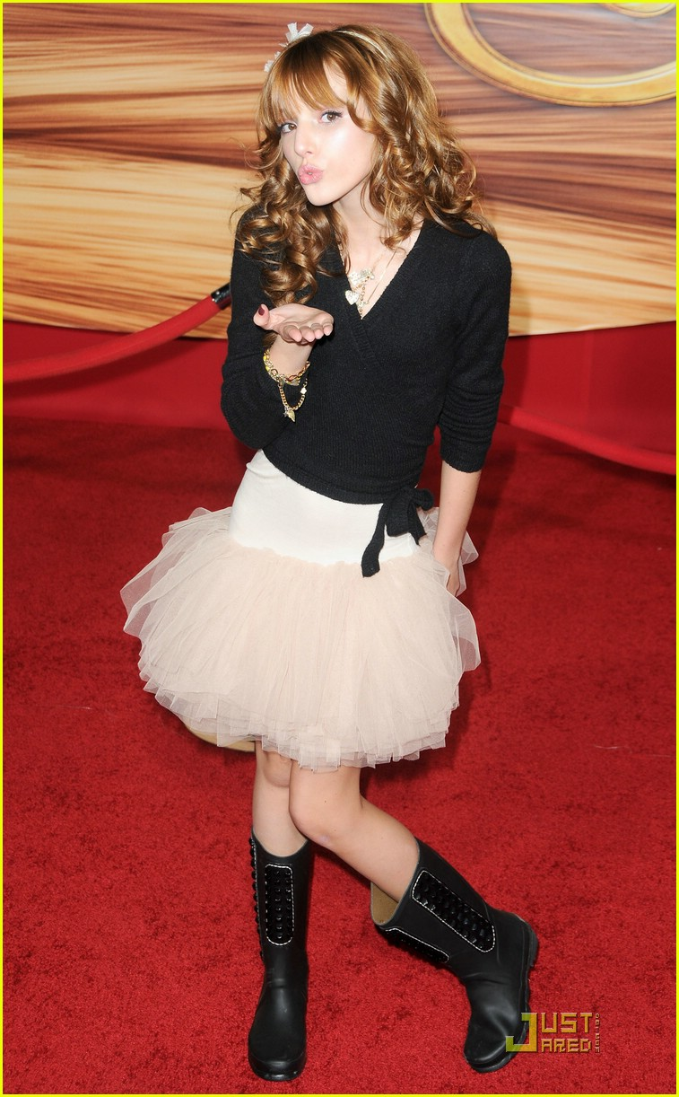 zendaya bella thorne tangled 03