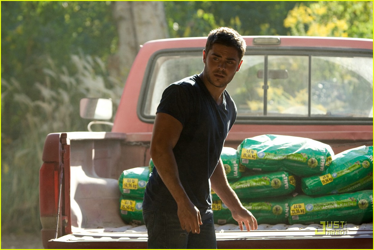 zac efron lucky one stills 01