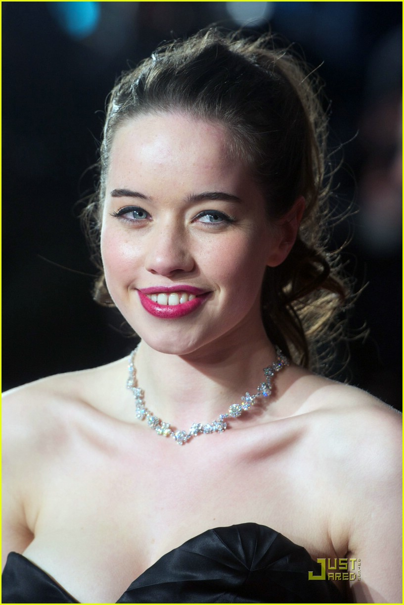 anna popplewell gif hunt tumblr