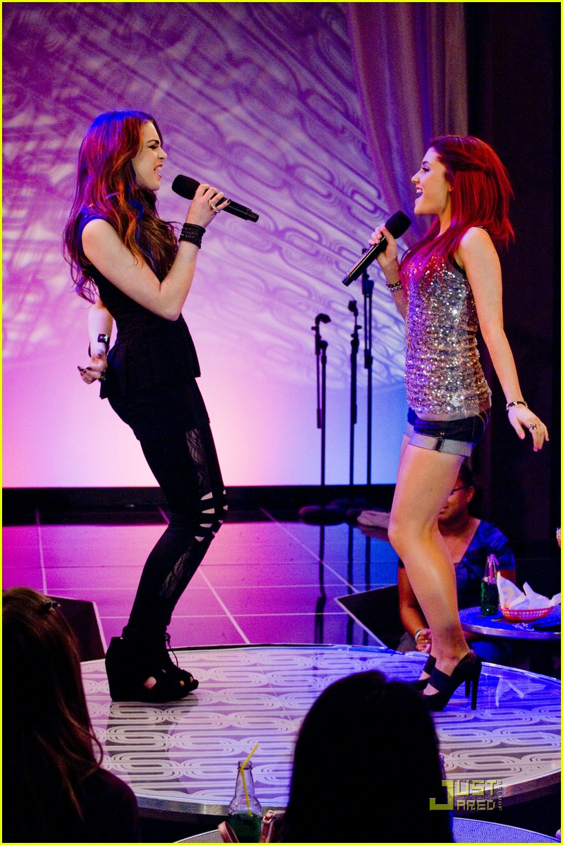 ariana grande elizabeth gillies give up 04