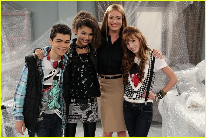 zendaya cat deeley shake it up 05
