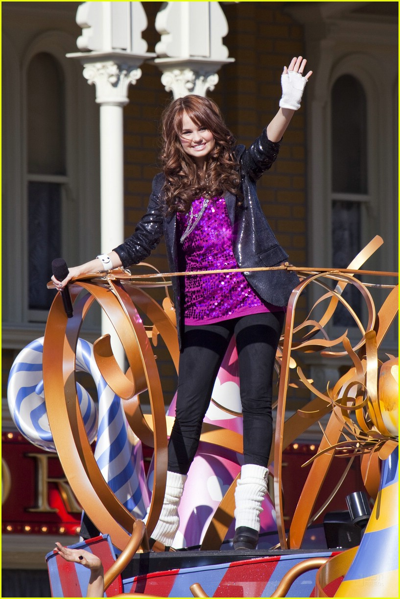 debby ryan parade pics 06