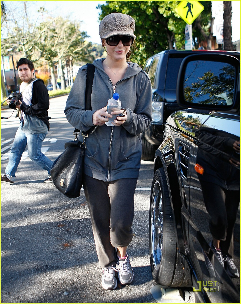 julianne hough jamba juice gym 38