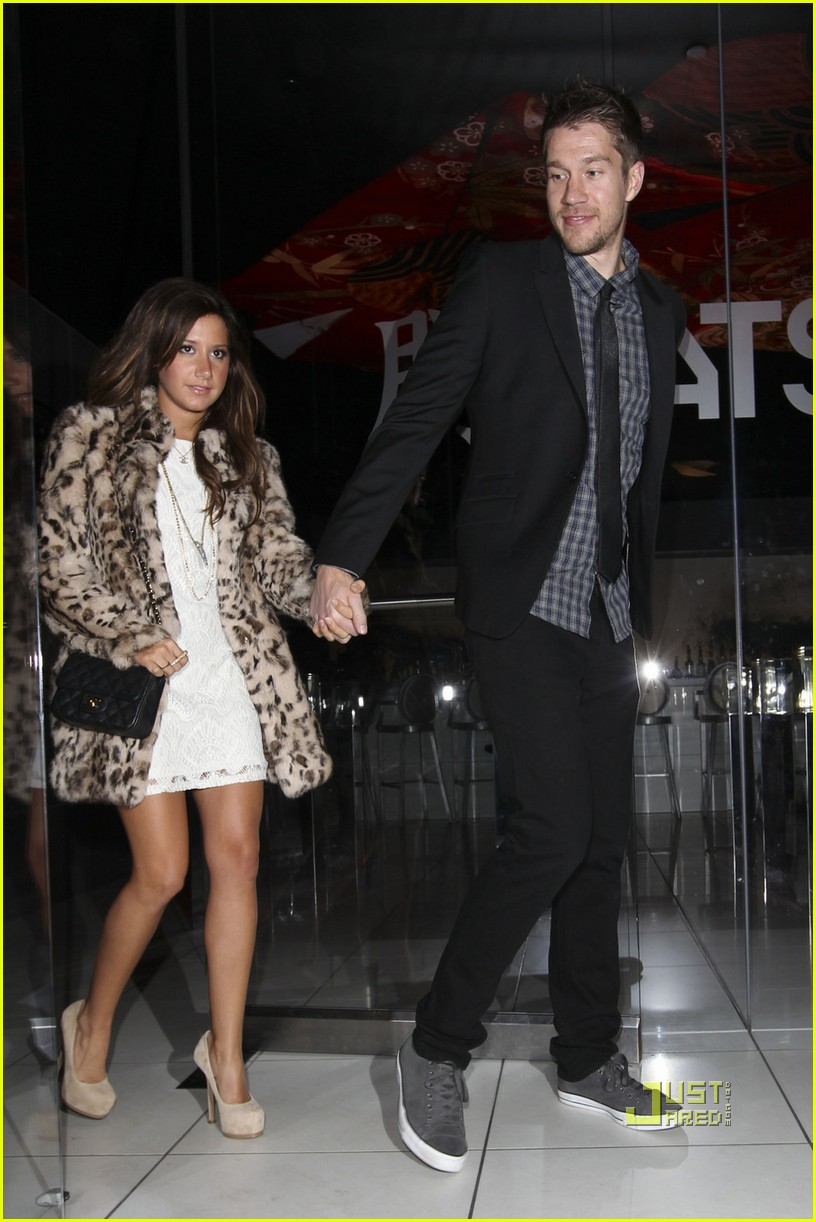 ashley tisdale katsuya dinner date 03