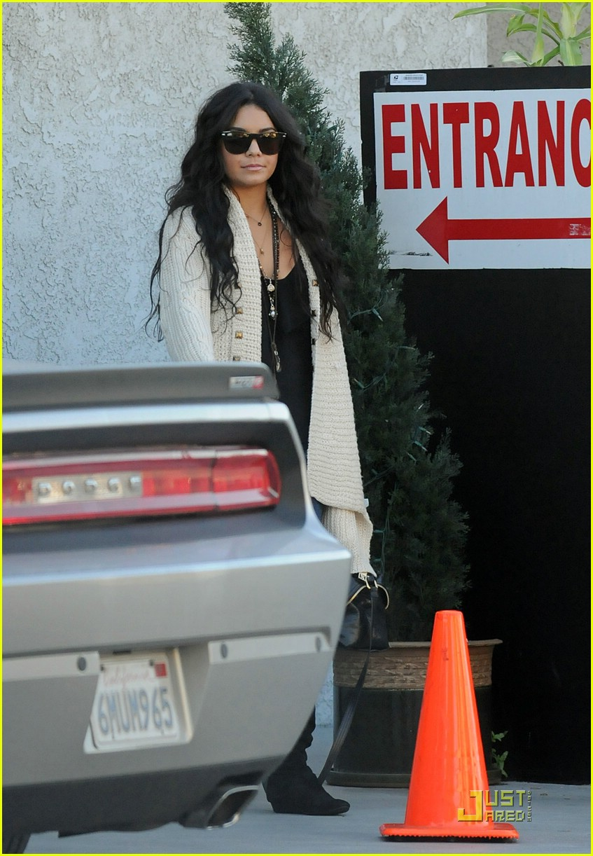 vanessa hudgens lunch matt sarah 07