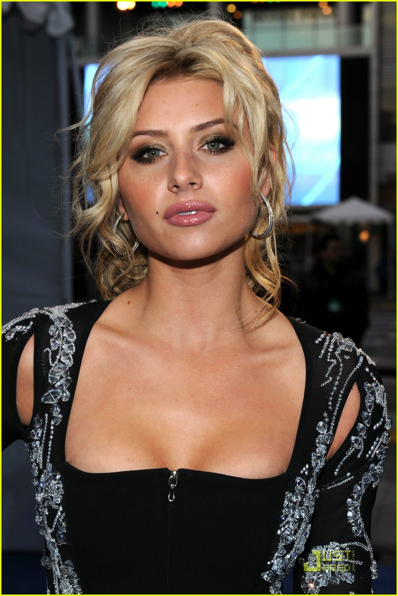 aly aj michalka 2011 pca 02
