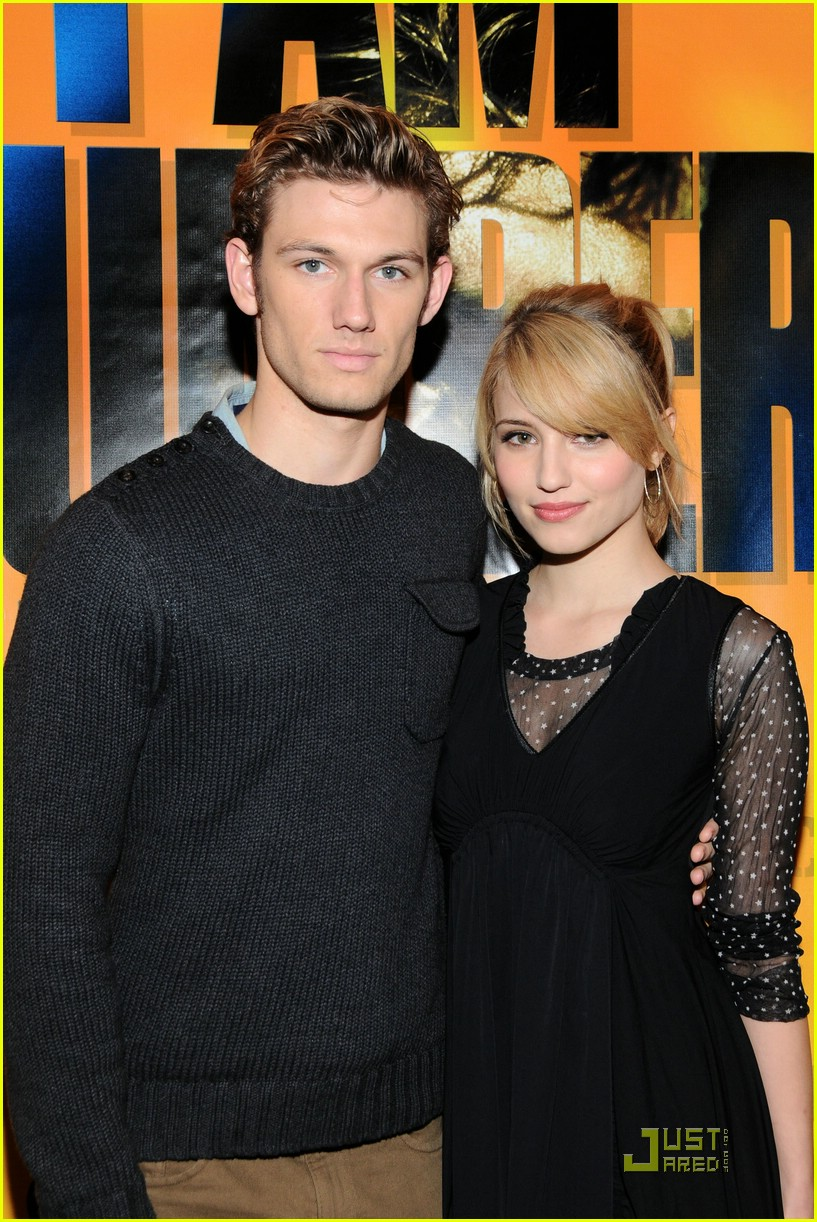 alex pettyfer dianna agron hot topic 03