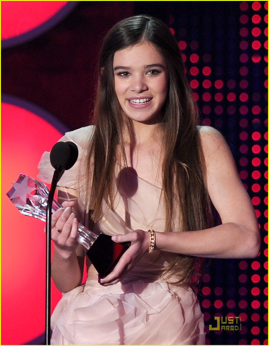 hailee steinfeld critics choice afi awards 20