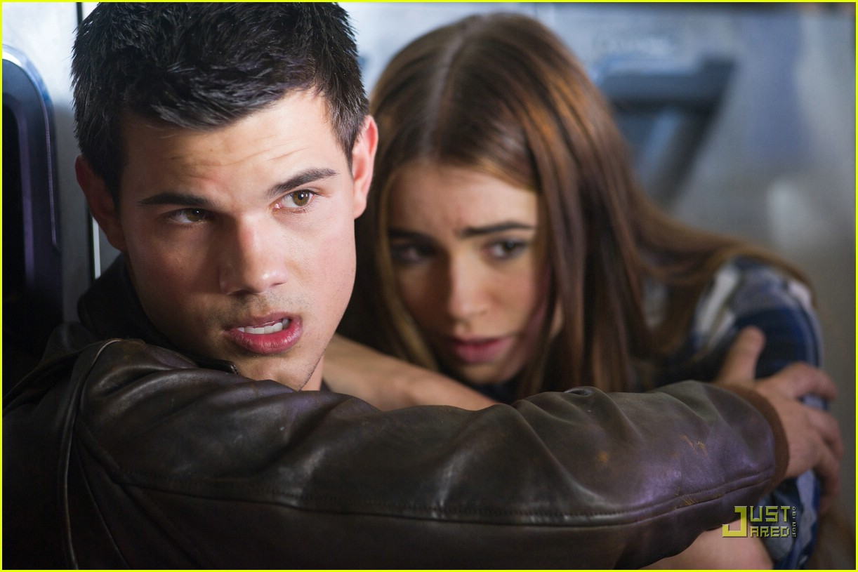 taylor lautner abduction stills 02