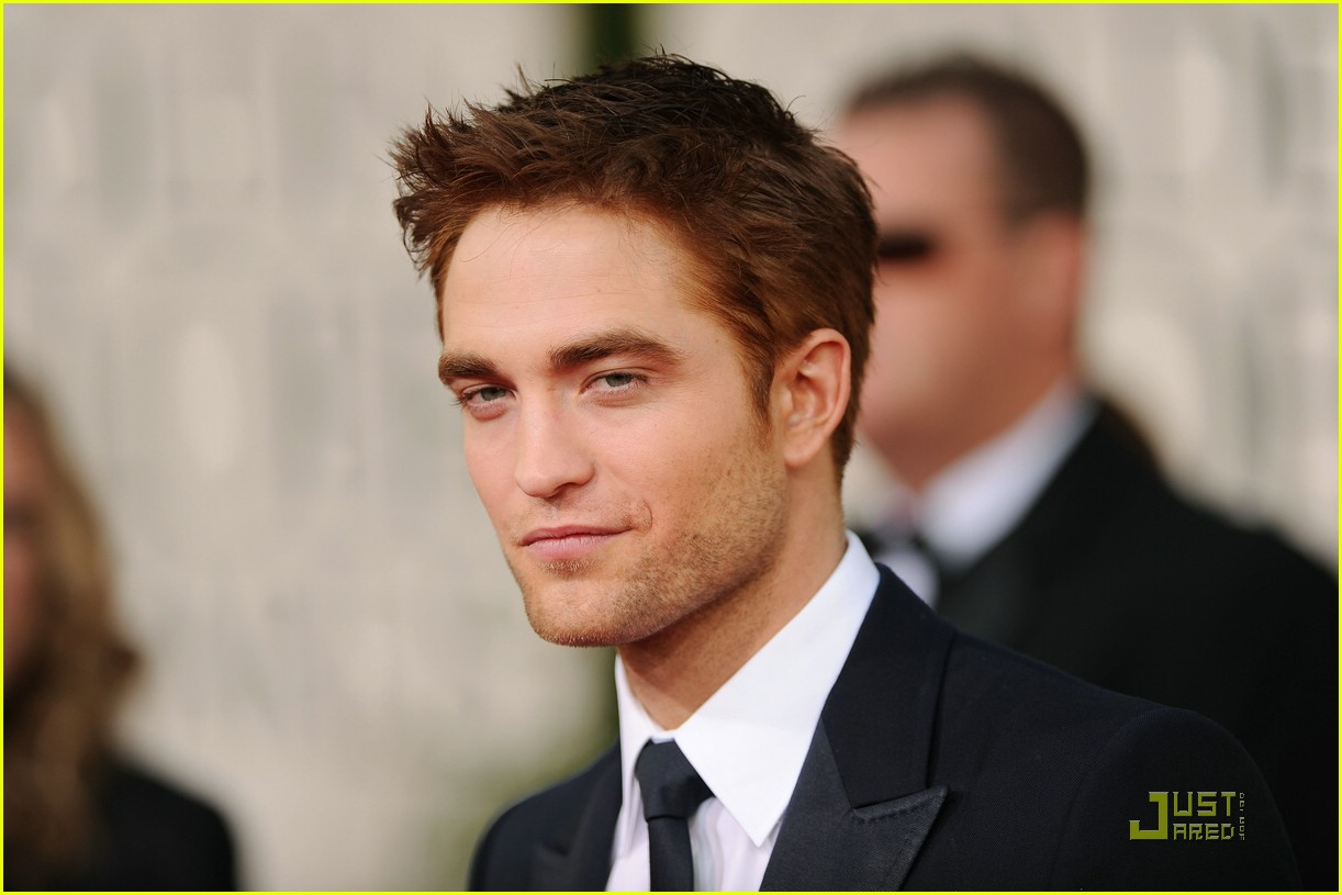 robert pattinson golden globes 06