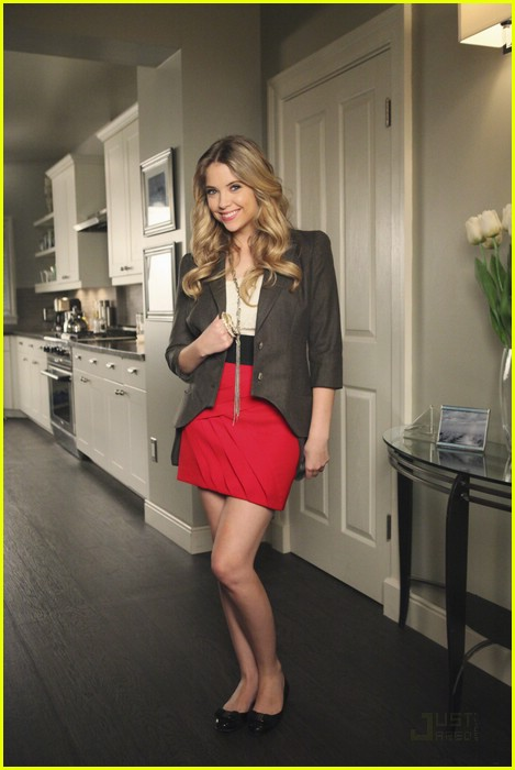 ashley benson hanna look 02