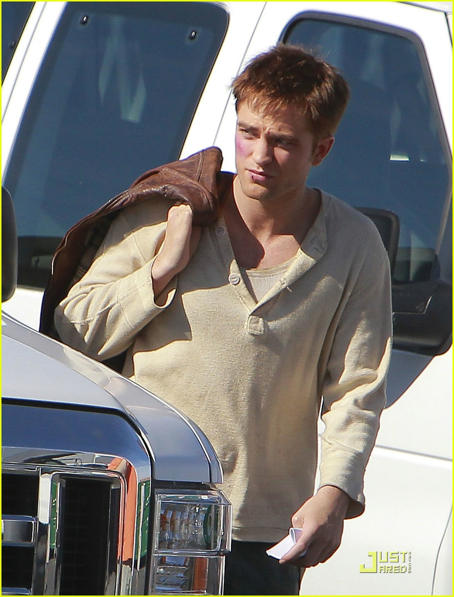 robert pattinson water reshoots 07