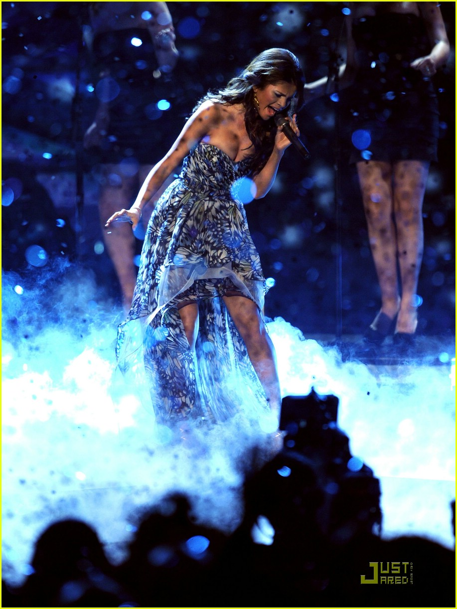 selena gomez scene win pca 02