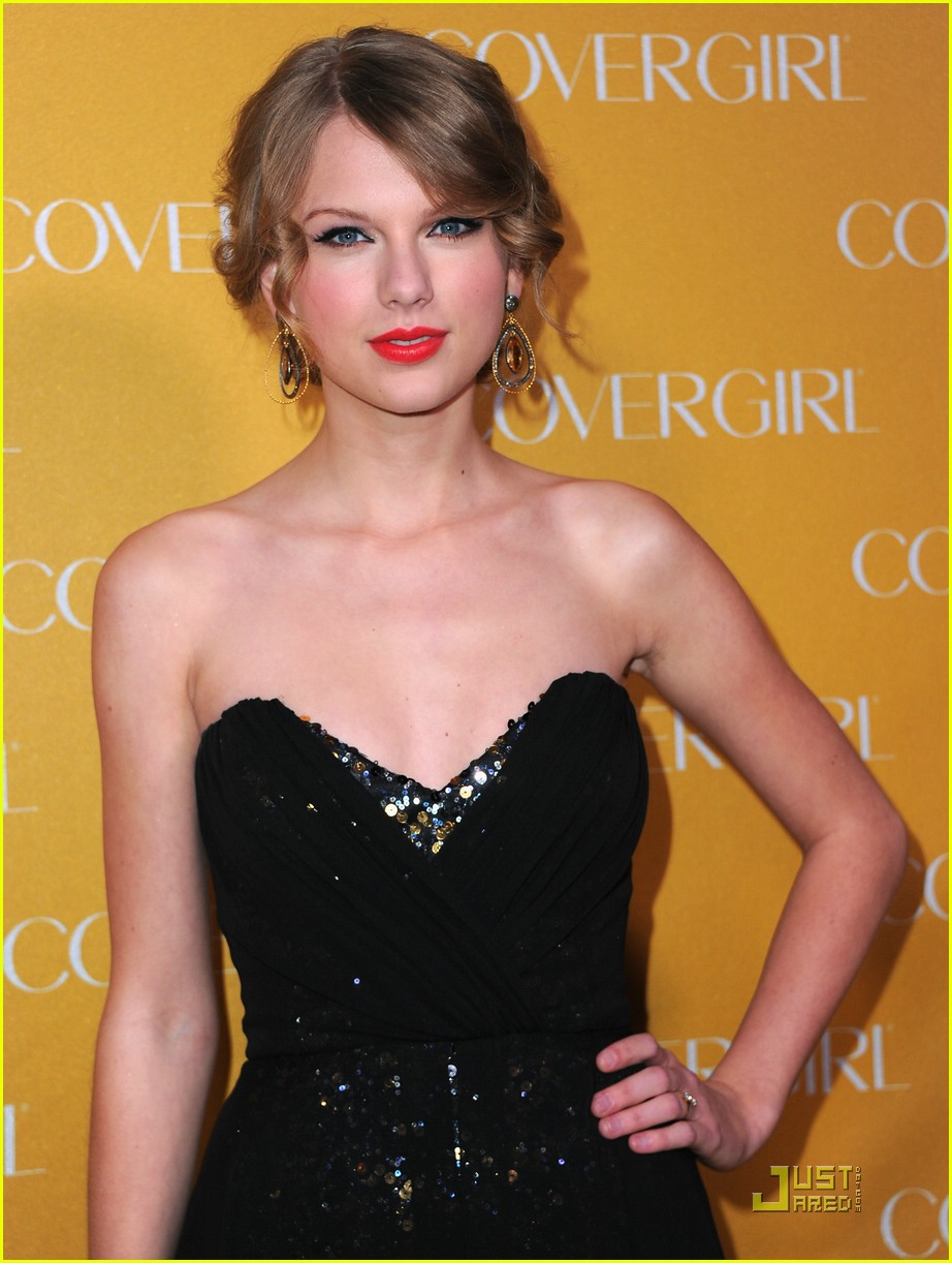taylor swift covergirl anniversary 08