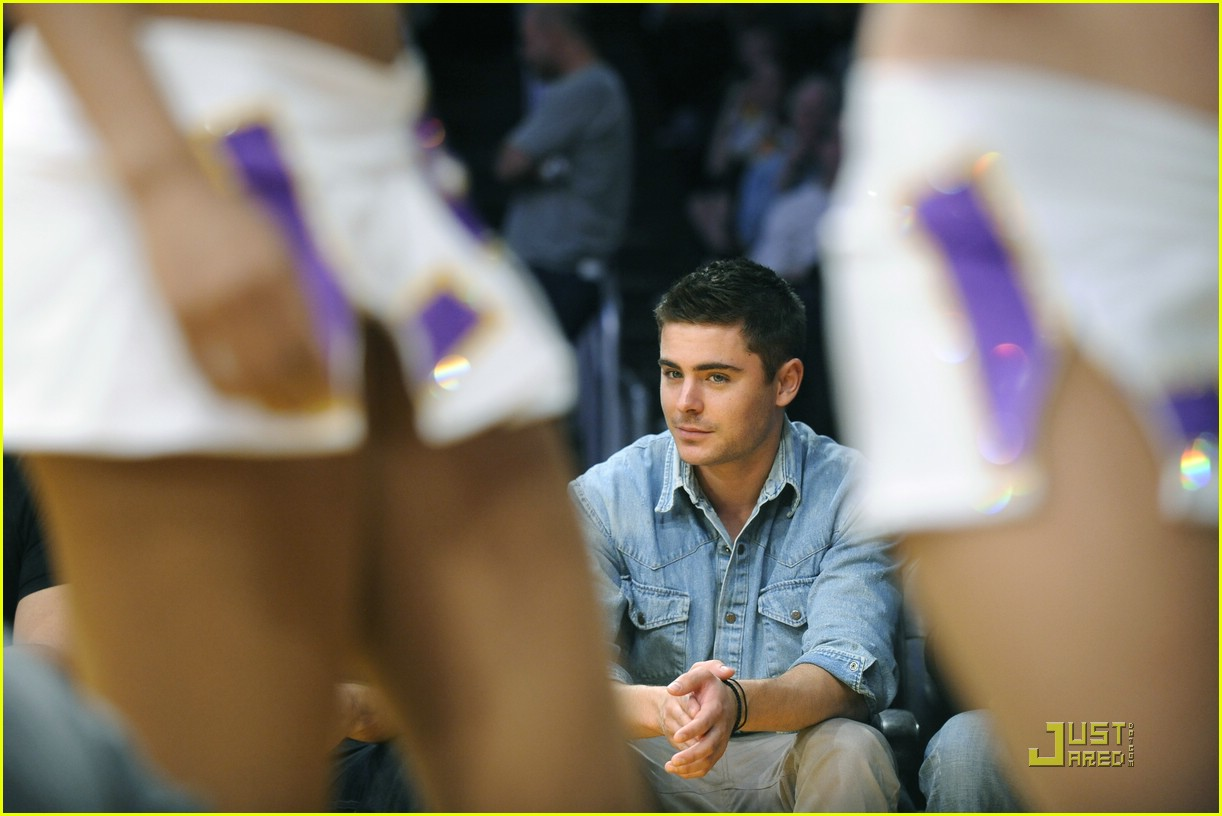 zac efron lakers george lopez 05