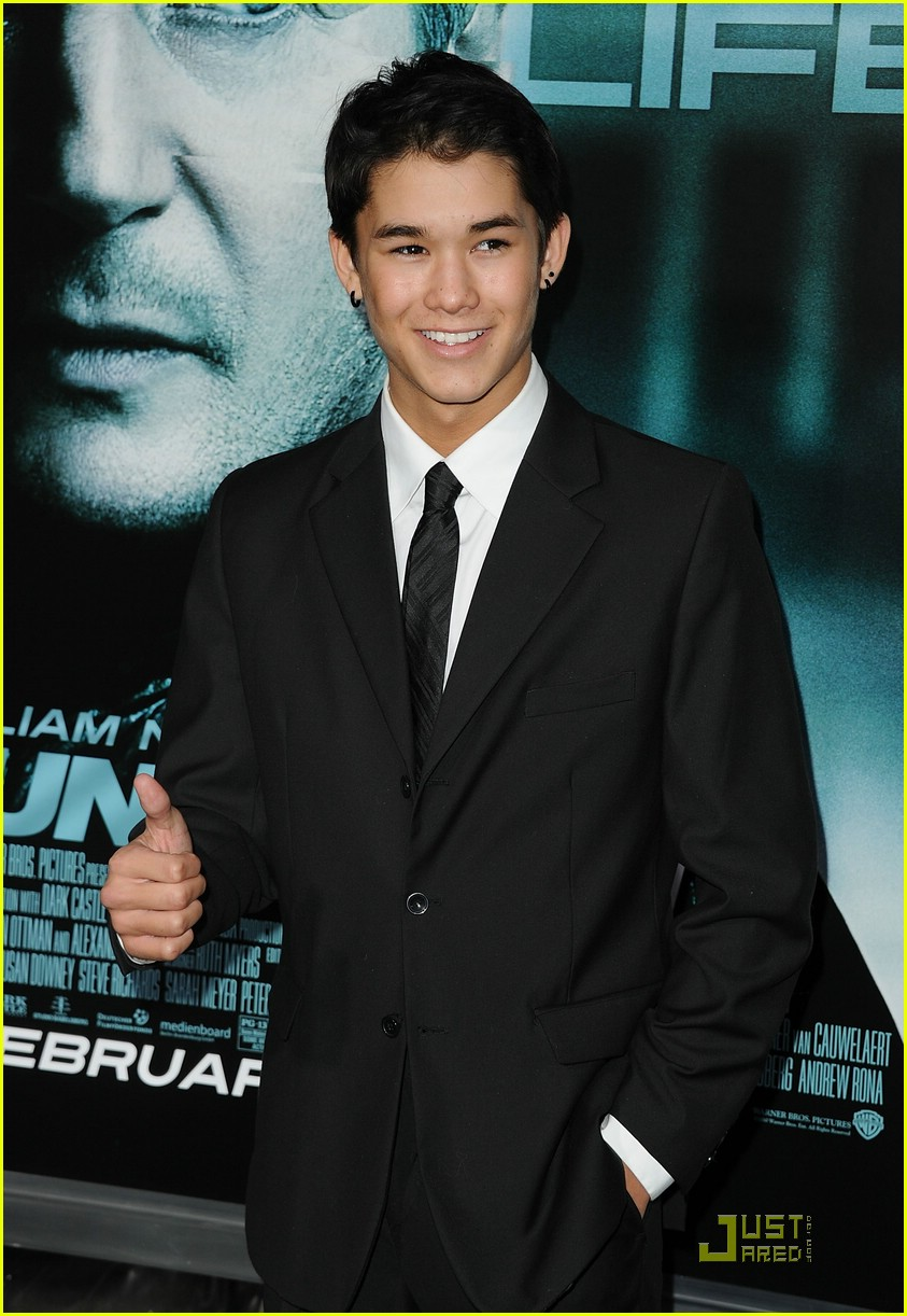 booboo stewart unknown premiere 04