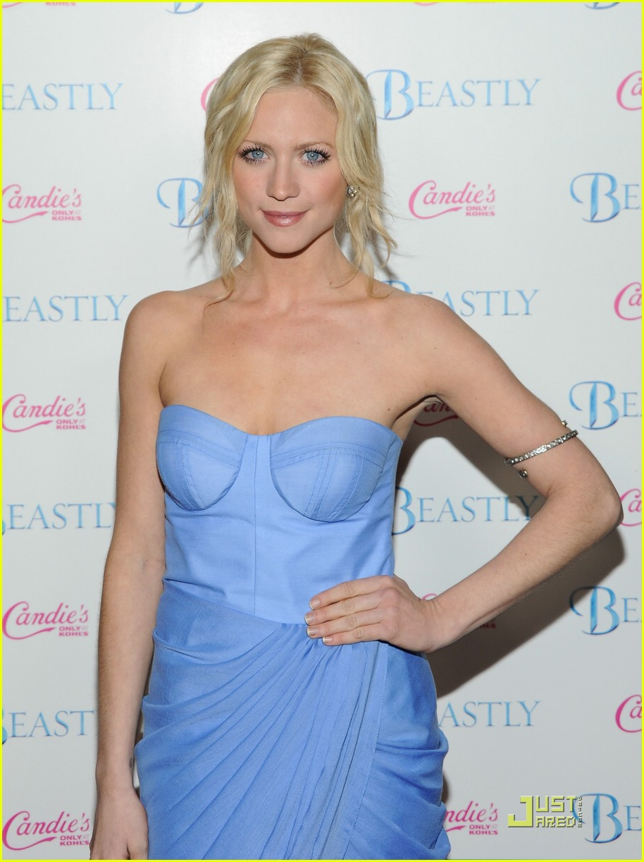 brittany snow beastly blue 03