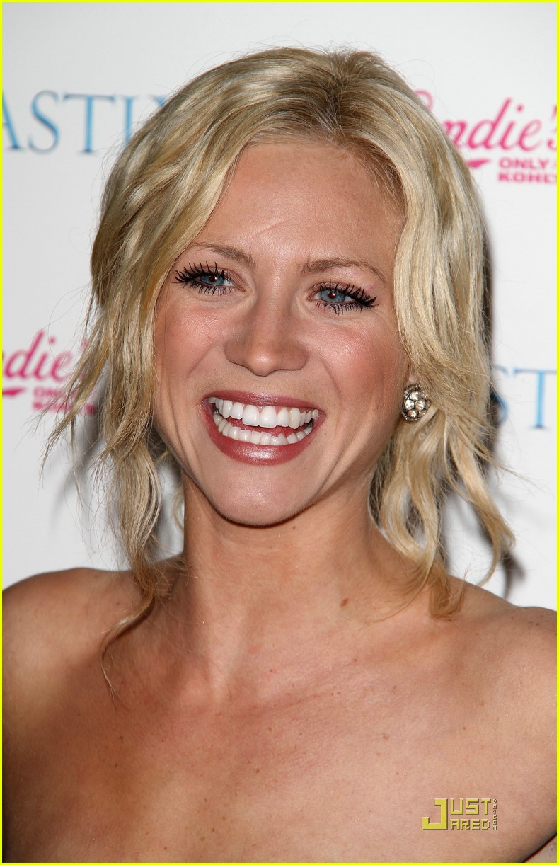 brittany snow beastly blue 07