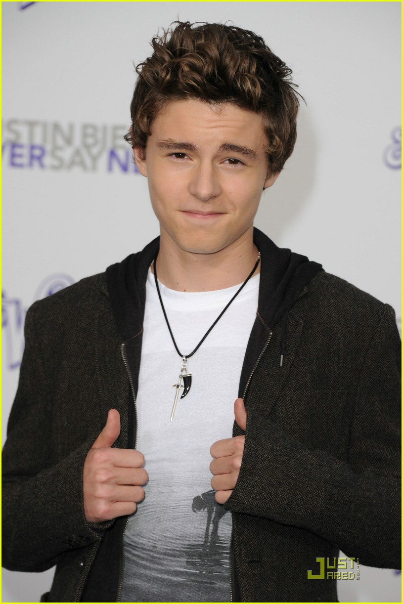 callan mcauliffe respect bieber 02