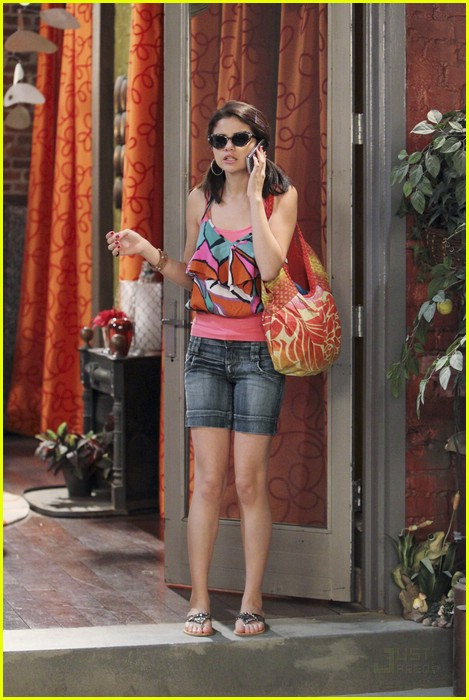 selena gomez ruin date david henrie 02