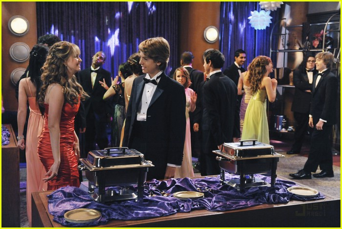 dylan cole sprouse prom night 22