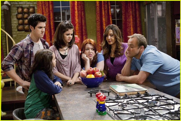 selena gomez david henrie wizards angels 02