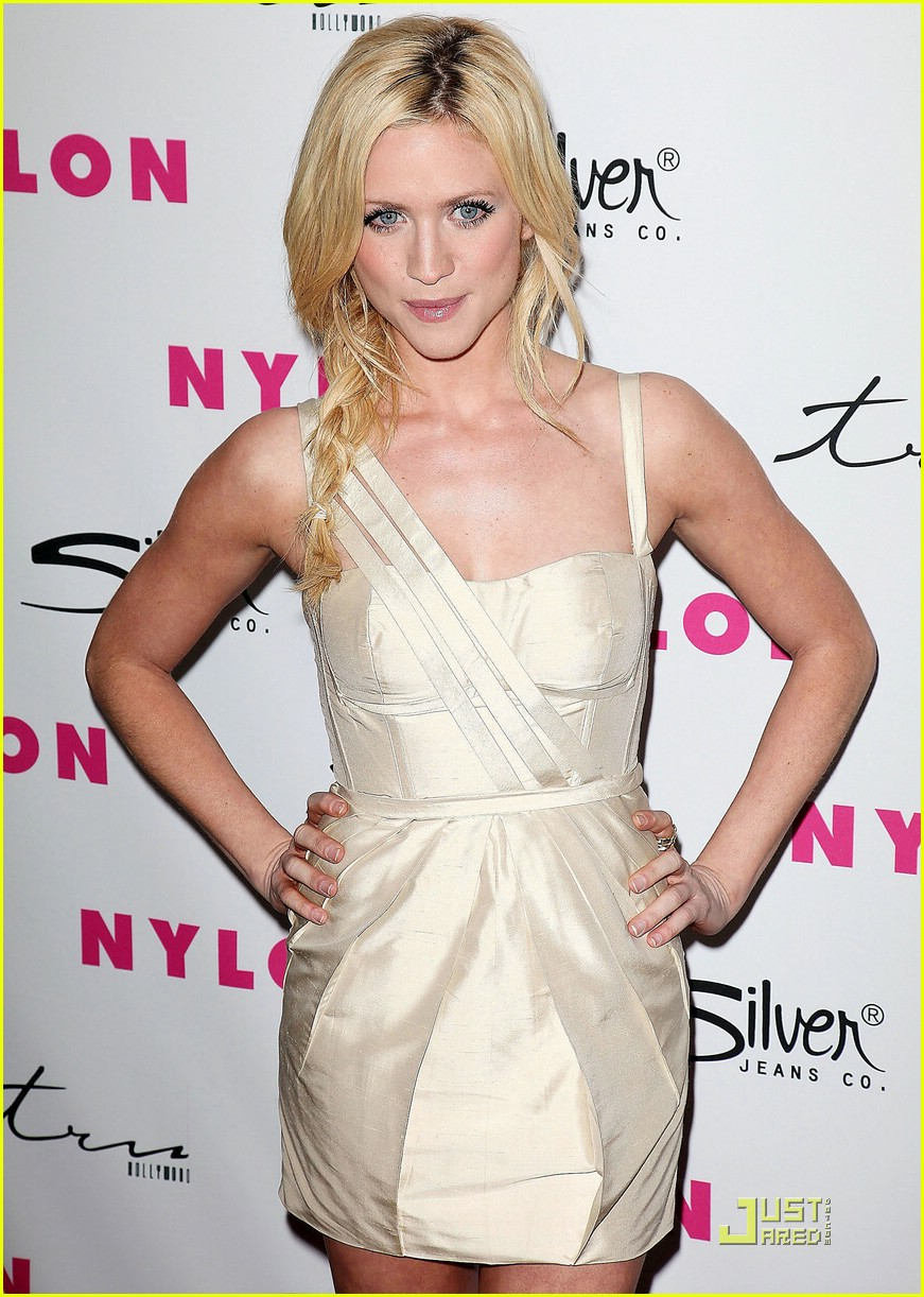 brittany snow nylon party 05
