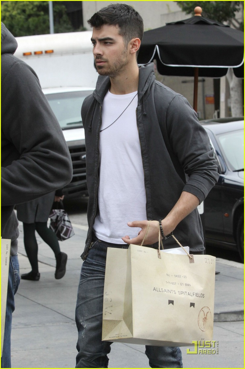 joe jonas all saints 02