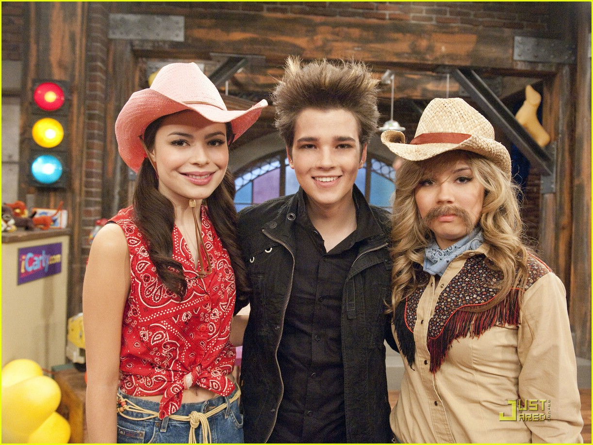 nathan kress spoofs twilight 13