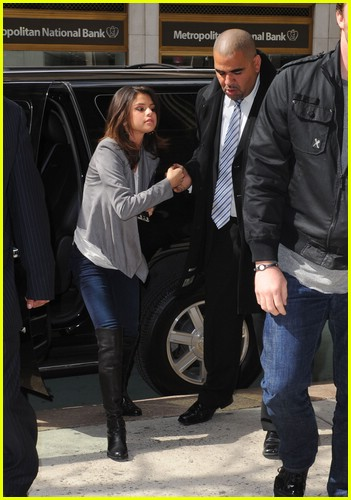 selena gomez shake up nyc 10