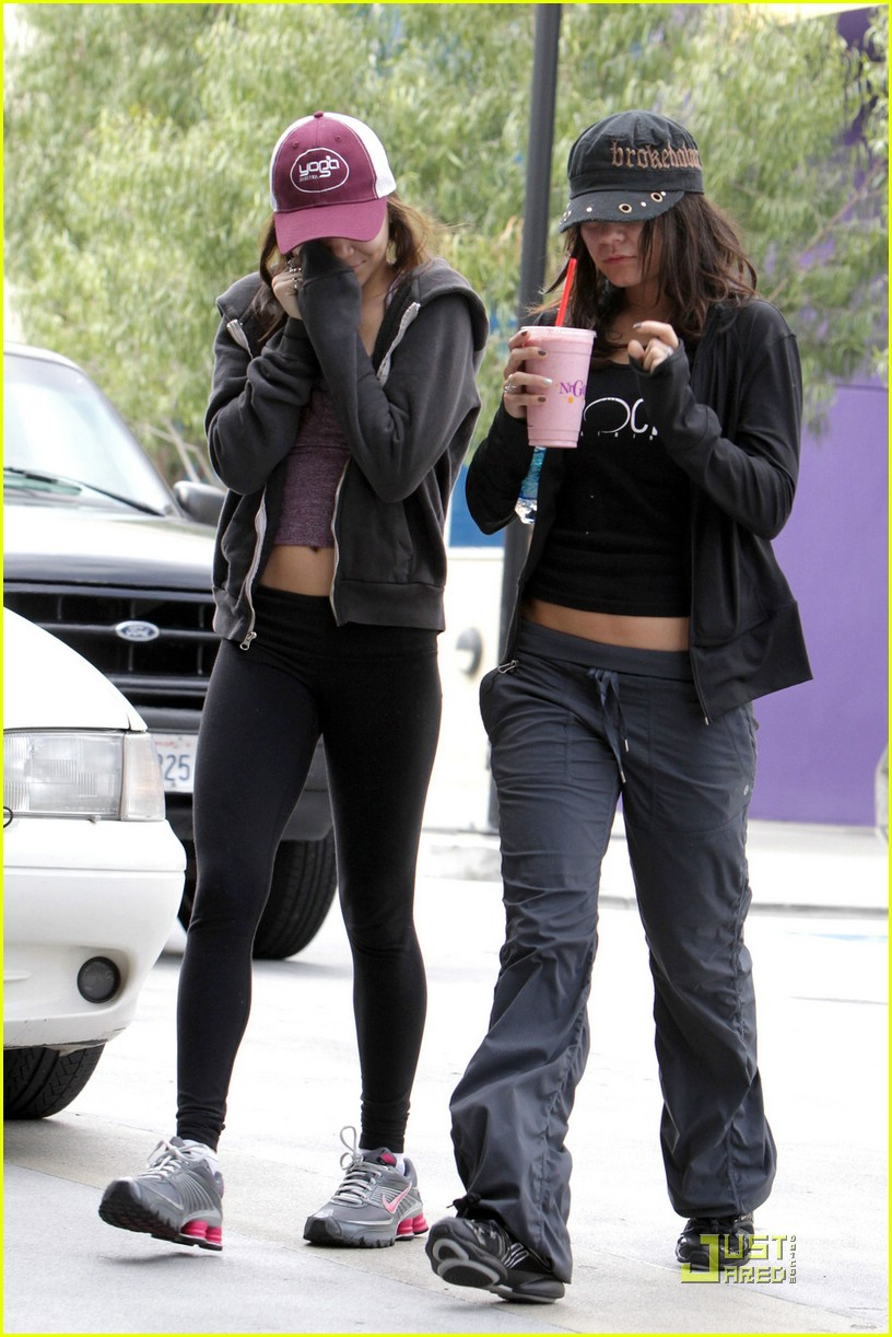 vanessa hudgens gym stella 01