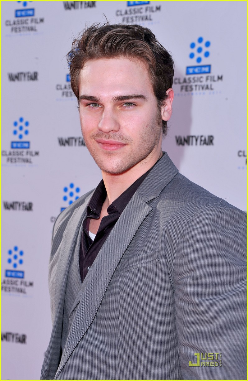grey damon tcm 01