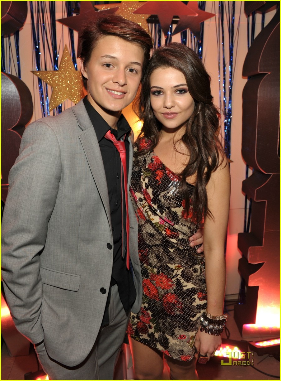 danielle campbell prom premiere 03