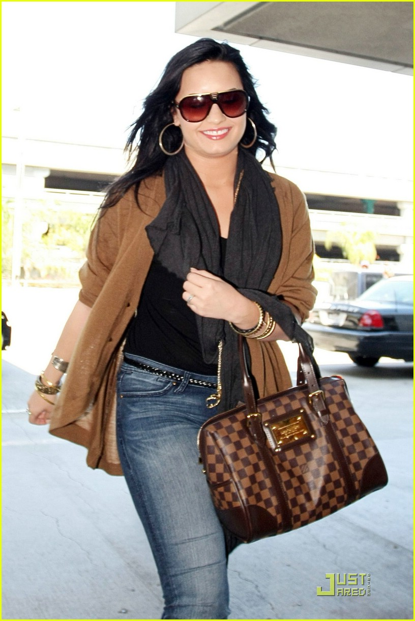 demi lovato lv purse lax 08