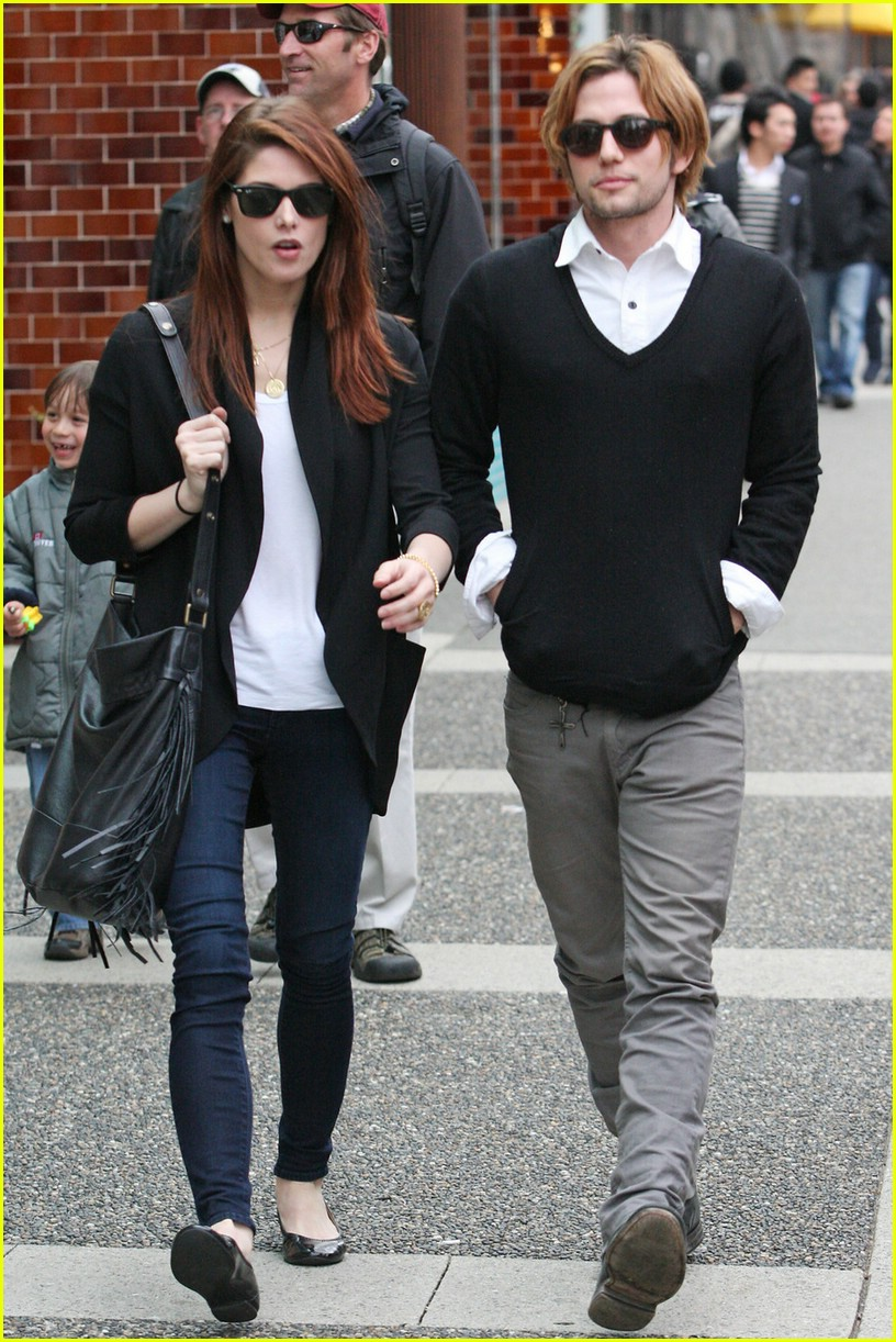 ashley greene jackson rathbone walk 04
