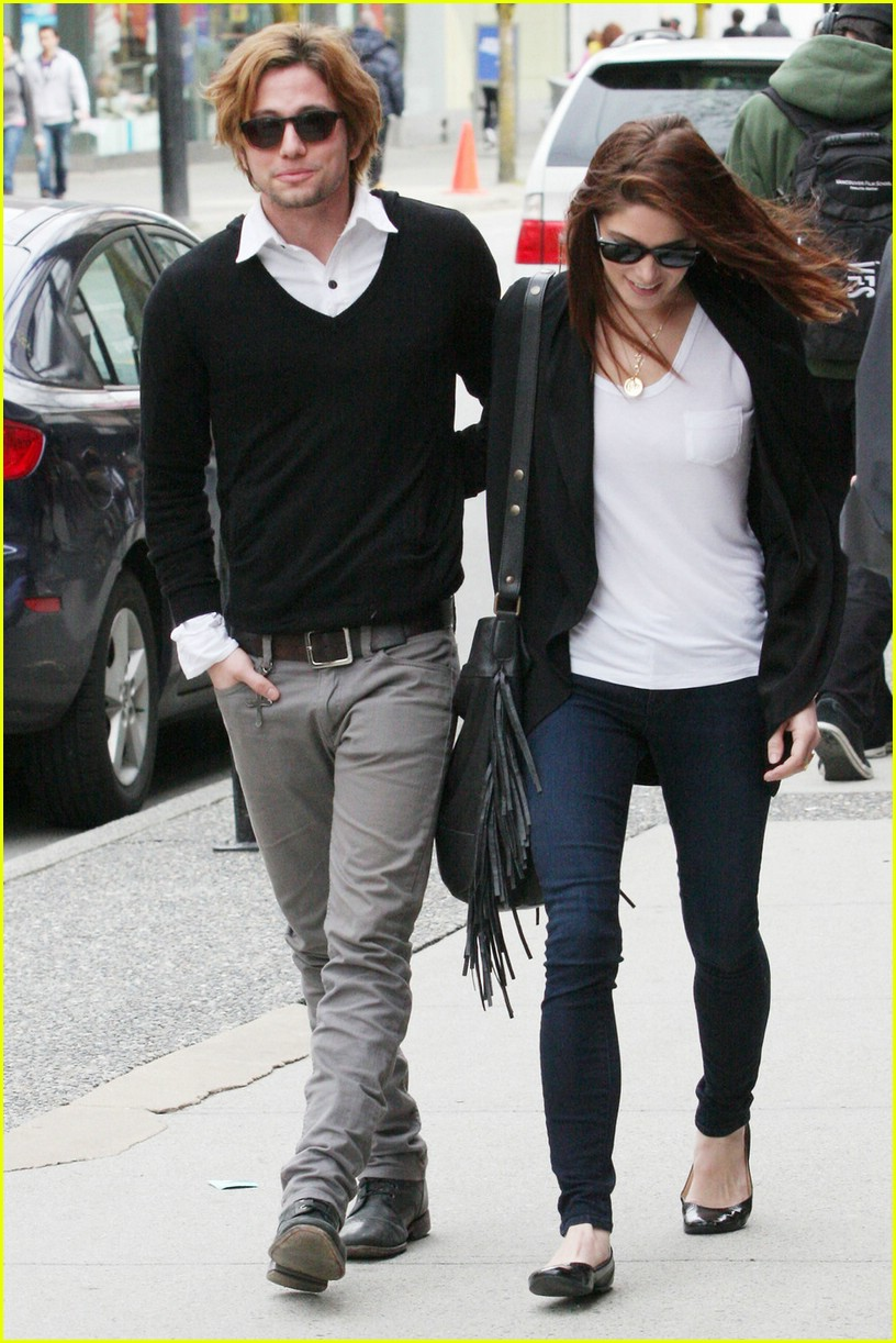 ashley greene jackson rathbone walk 09