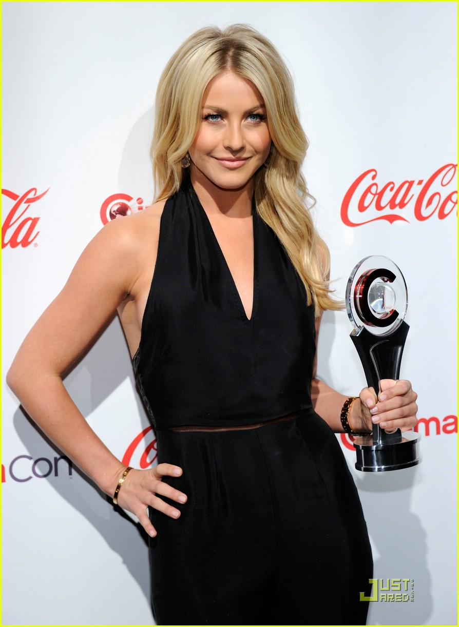 julianne hough cinemacon 10