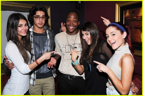 leon thomas liz gillies mint 03