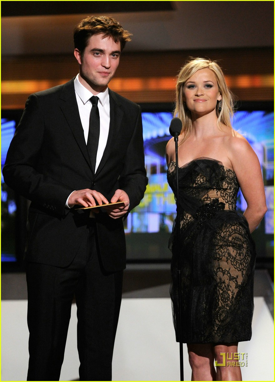 robert pattinson acm awards 02