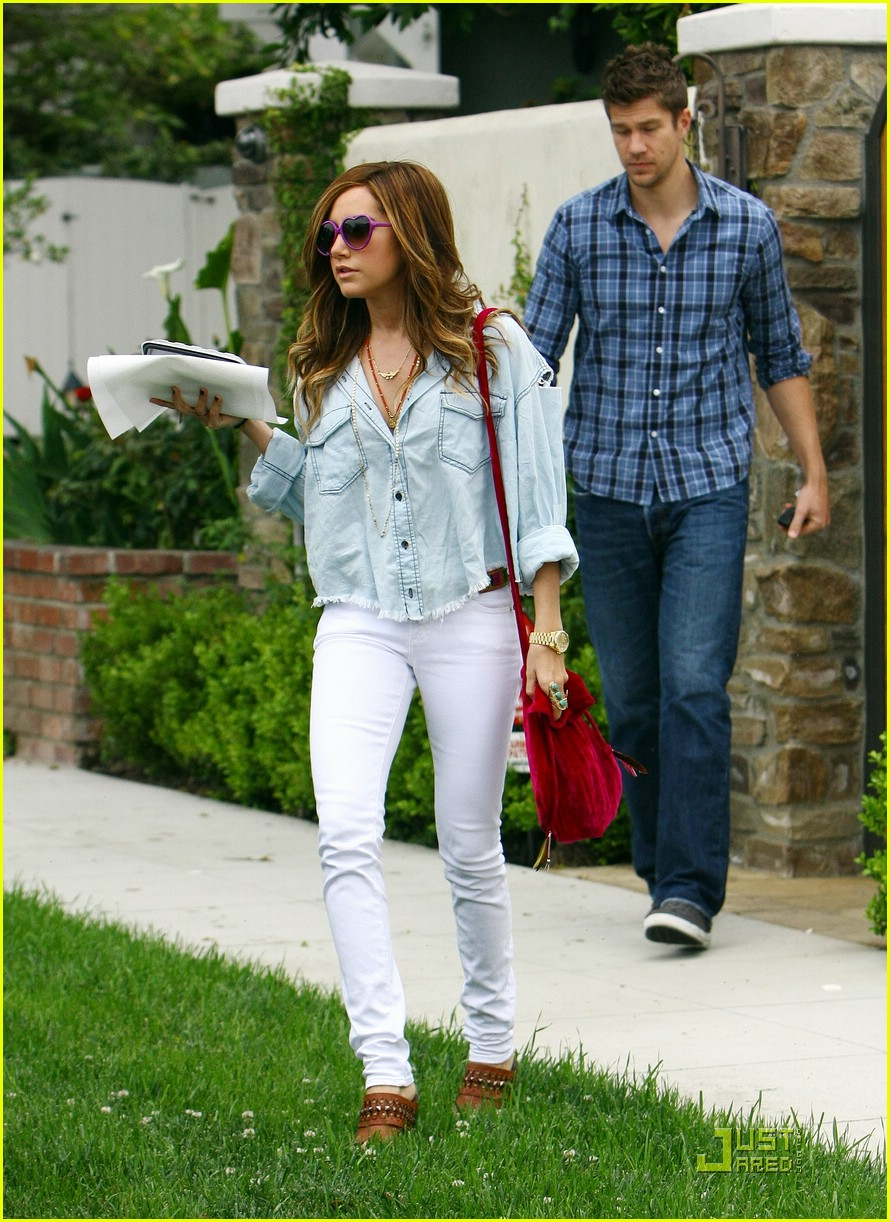 ashley tisdale casino lakers 11