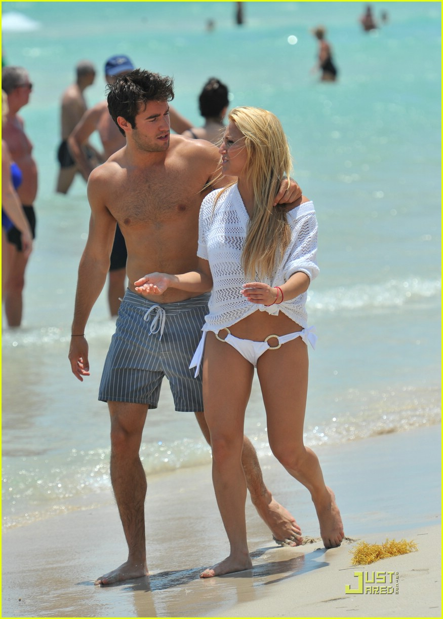 Emily vancamp and joshua bowman dating interview form 5