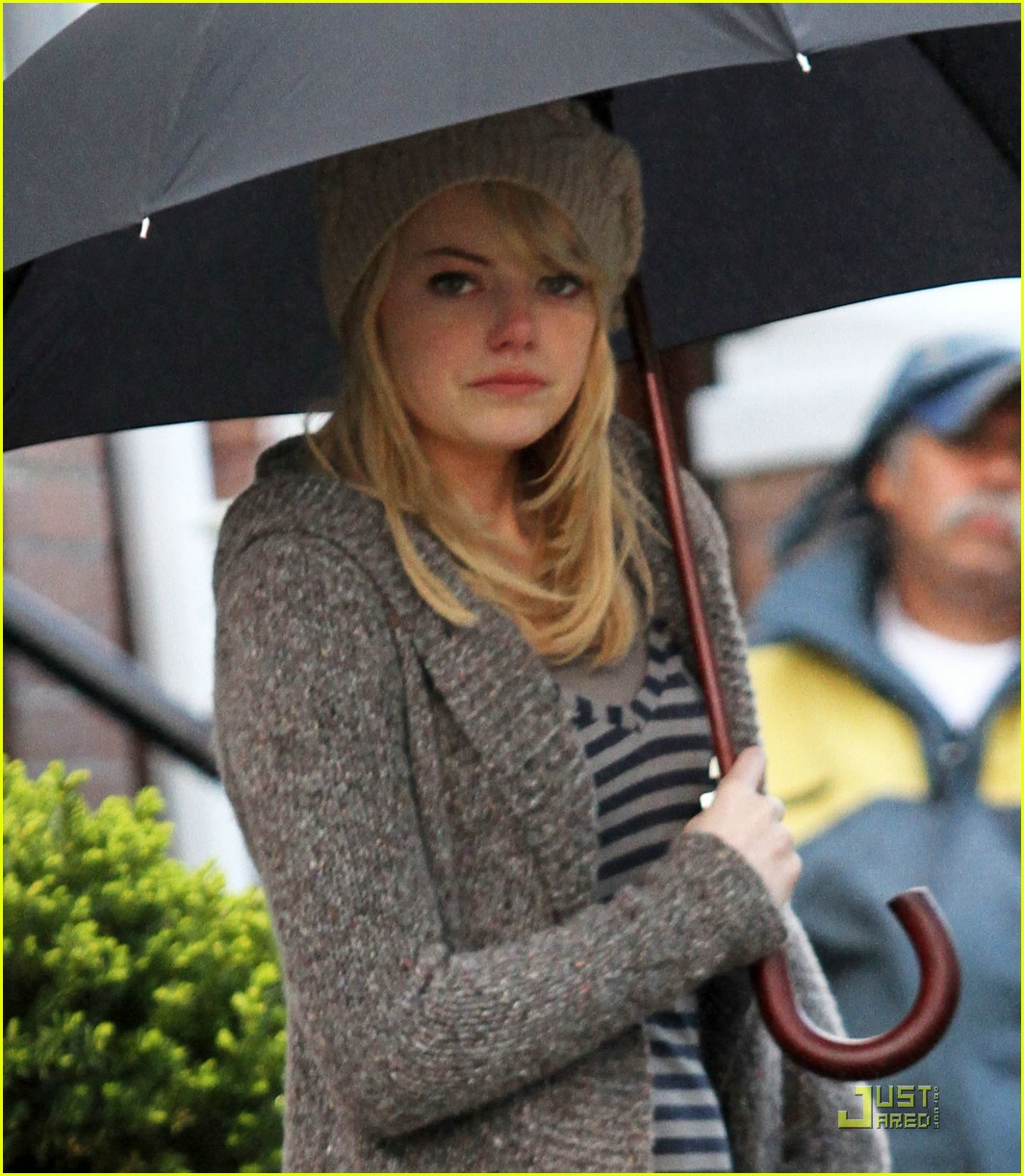 emma stone rain spiderman 05