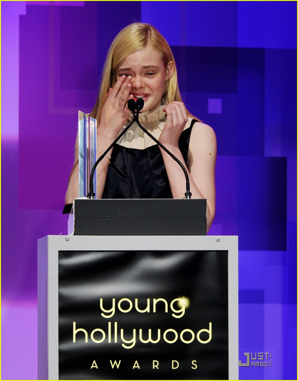 elle fanning young hollywood awards 10