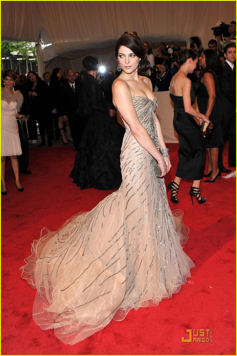 ashley greene met ball 2011 03
