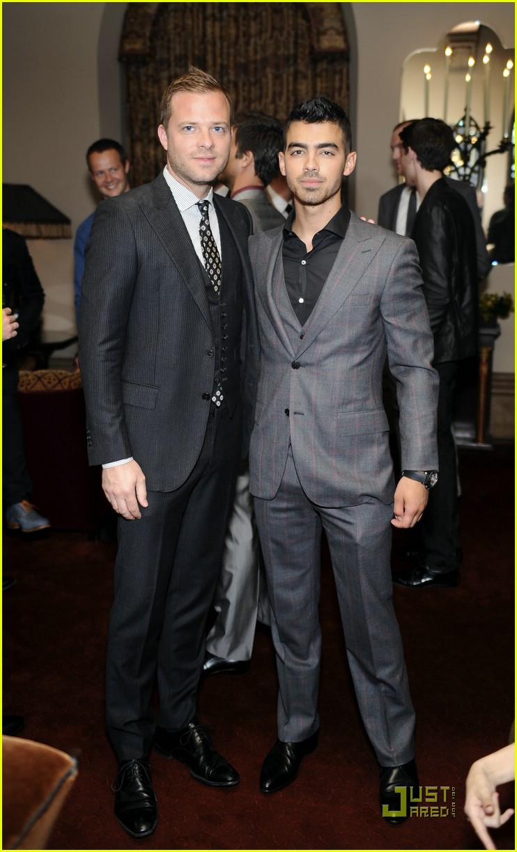 joe jonas simon spurr 01