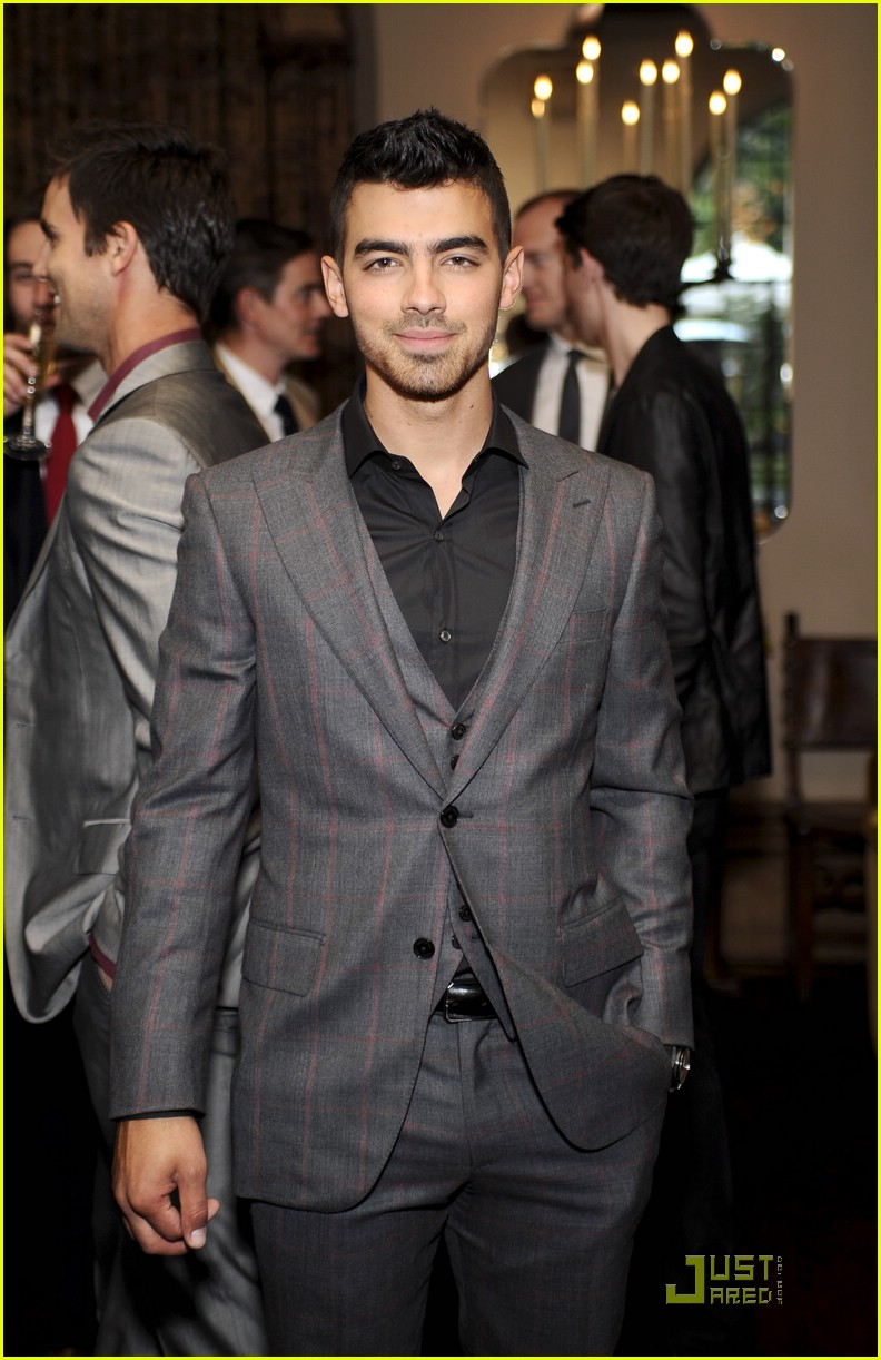 joe jonas simon spurr 03