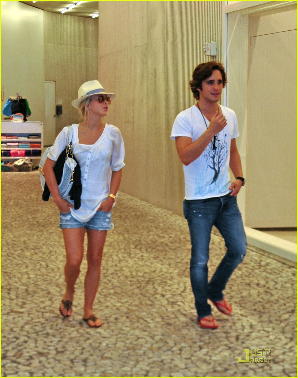Julianne Hough & Diego Boneta: Let's Go To The Movies ...
