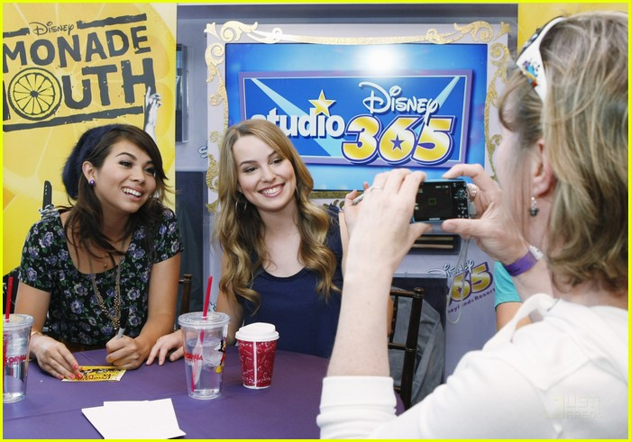 lemonade mouth disneyland 08